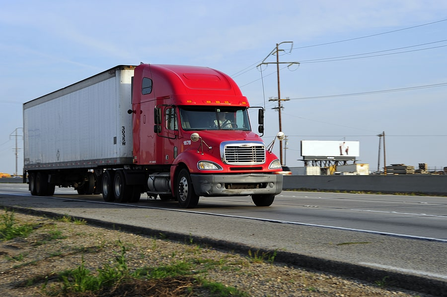 Why Tractor-Trailers Are a Threat to Other Motorists